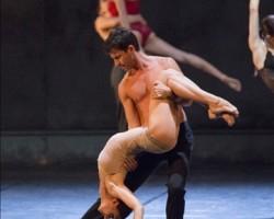 Kledi inaugura il Festival di danza contemporanea