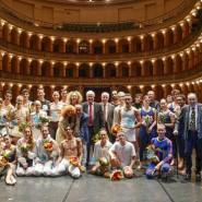 Tutti i Protagonisti della prima edizione del Premio Nazionale Sfera d'Oro sul palco del teatro Verdi